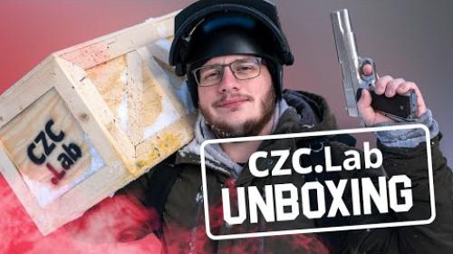 Embedded thumbnail for Tajemství dropnutého boxu odhaleno! | CZC.lab unboxing